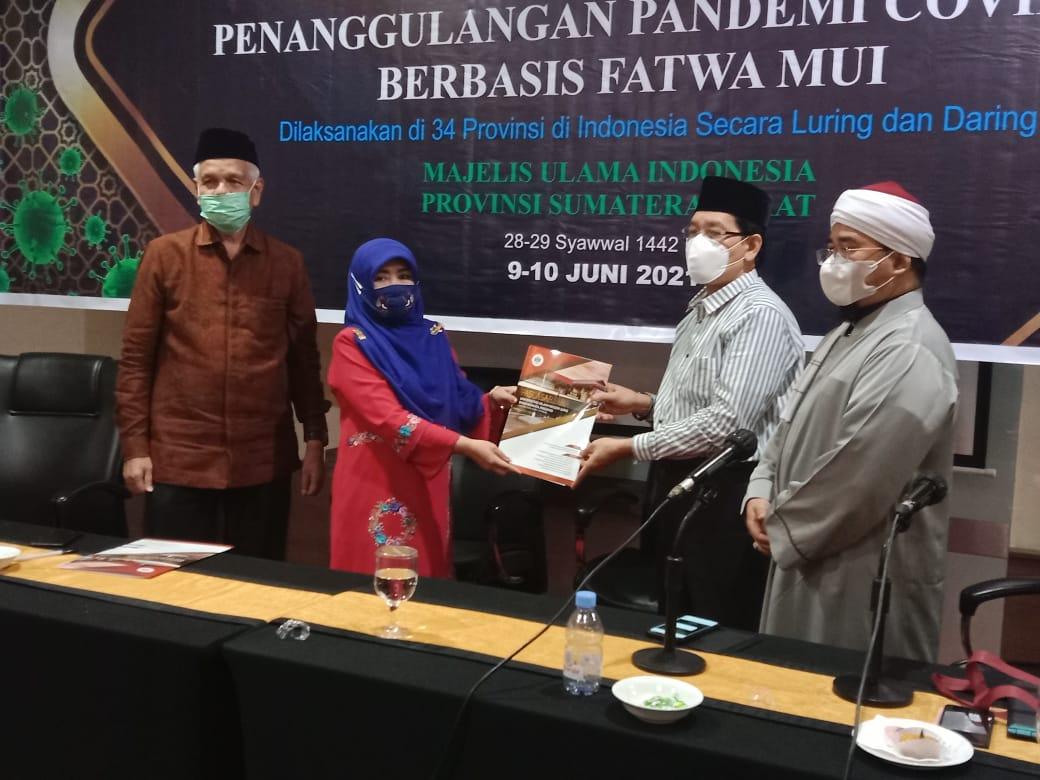 Pascasarjana UIN Imam Bonjol Jalin Kerjasama dengan MUI Dalam Rangka Penanggulangan Pandemi Covid-19 Berbasis Fatwa MUI